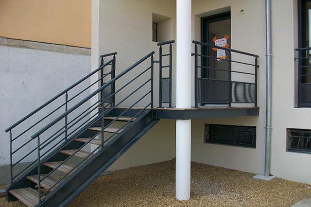 escalier angers conception et pose avec ap metallerie. Black Bedroom Furniture Sets. Home Design Ideas