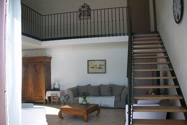escalier la roche sur yon conception et pose avec ap metallerie. Black Bedroom Furniture Sets. Home Design Ideas